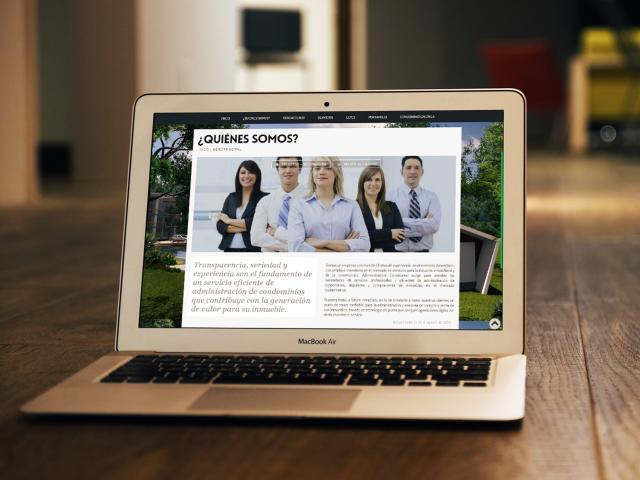 Diseño de pagina web Administradora Construreal por movidagrafica