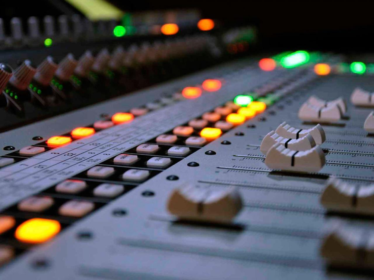 Imagen de Postproducción, mezcla y edición de audio por Movidagrafica